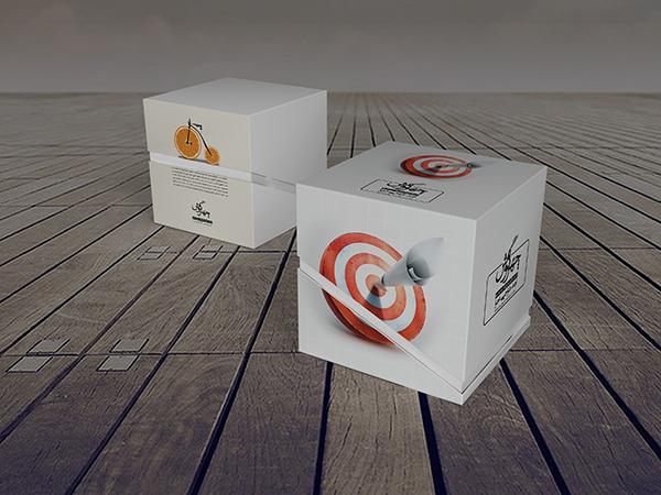 موکاپ بستهبندی جعبه مکعبی