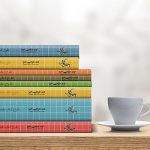 موکاپ کتابهای چیده شده بر روی هم