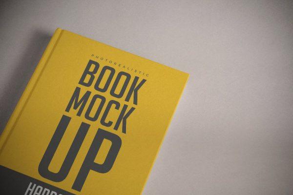 موکاپ کتاب و دفتر 100 برگ