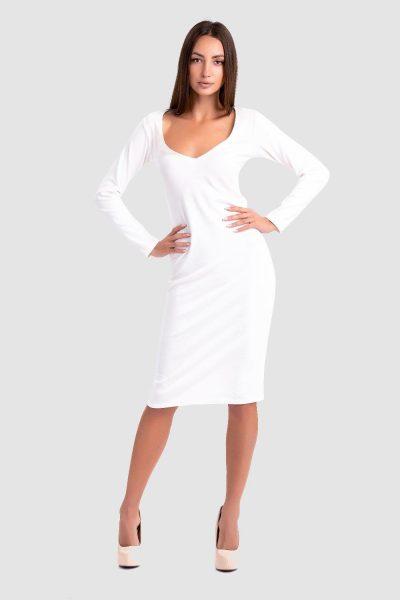 موکاپ لباس یکپارچه و بلند زنانه